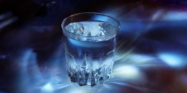 Как зарядить воду положительной энергией