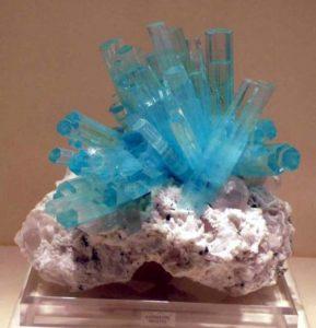 полупрозрачные кристаллы
