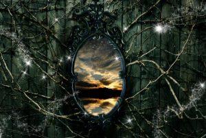 Магическое старое зеркало