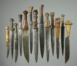 коллекция ритуальных ножей